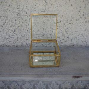 Kuldne karbike